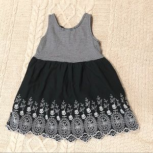Black and white GAP dress
